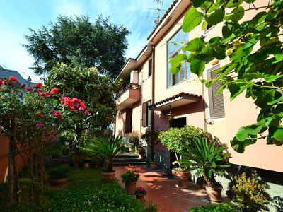 Photo for Villa with garden in the centre of Pompeii and 1 km from the archaeological site