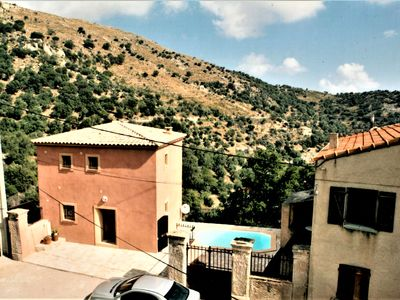 Photo for Beautiful house 8 people, swimming pool, 12km from the sea