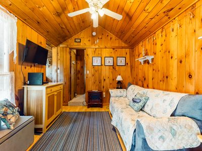 Photo for Inviting cottage with cable TV & shared outdoor pool - close to the ocean!