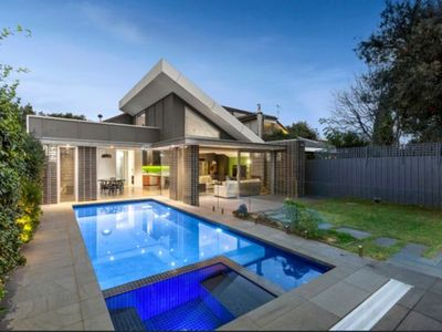 Photo for Elsternwick paradise - Love where you live!