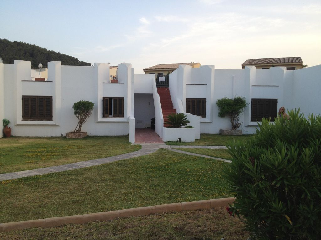 3 Bedroom Apartment Within A Privately Owned Complex 94767