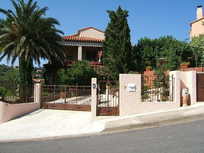 Photo for HOLIDAY IN A VILLA in Collioure, CHARACTER COUNTRY