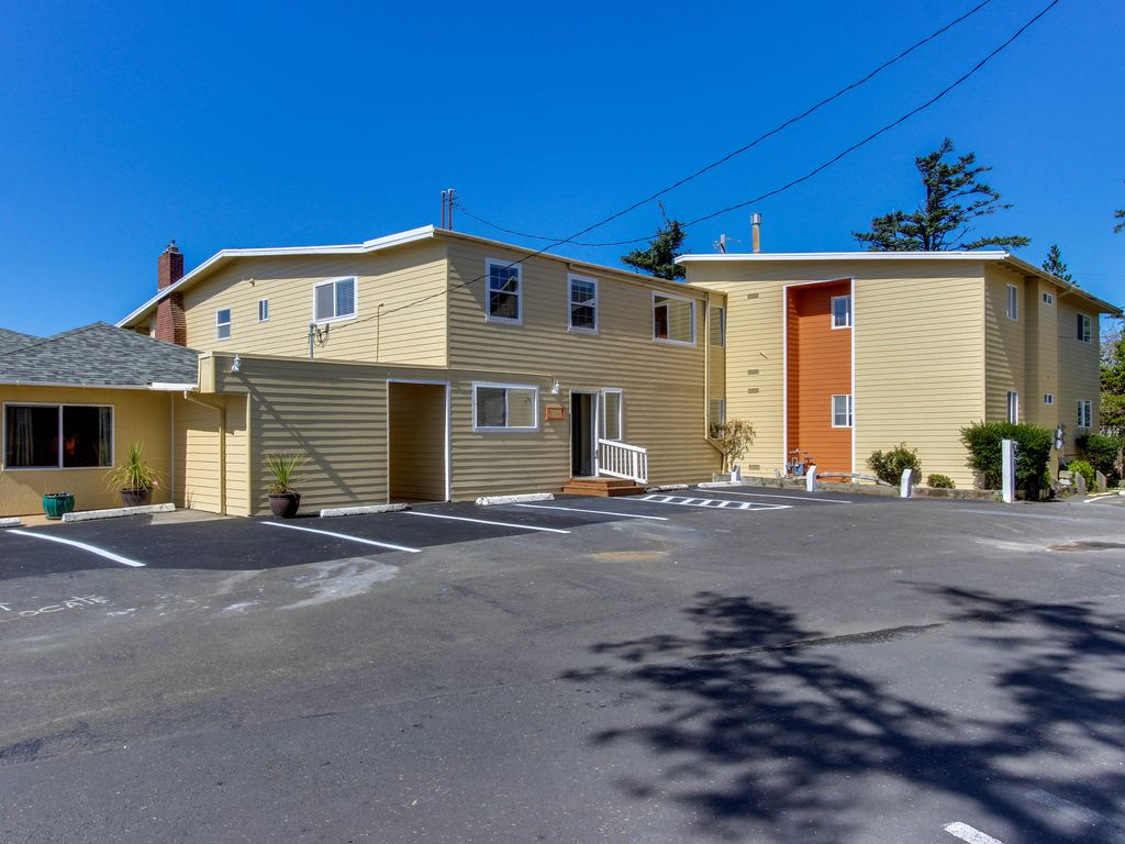 Best Places To Stay With Dogs Oregon Coast