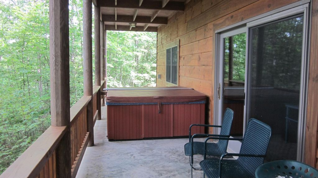 Log cabin horse trails hiking biking serenity and much for Cabin rentals near hiking trails
