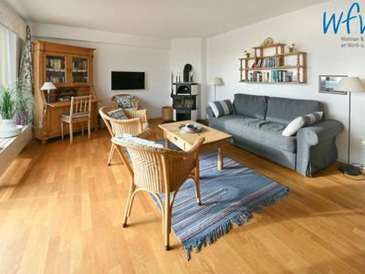Photo for Fantastic apartment near the beach with south-facing balcony!