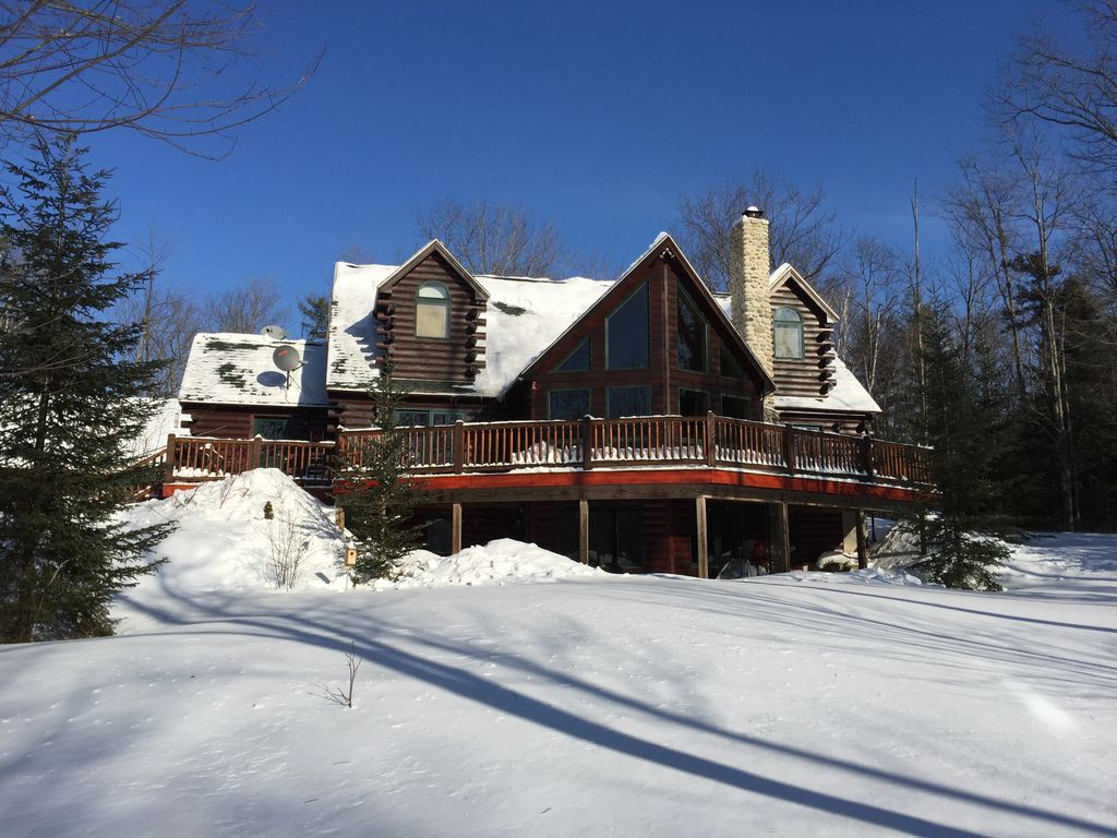 Luxury log cabin style family ski lodge 15 minutes from for Ski cottage