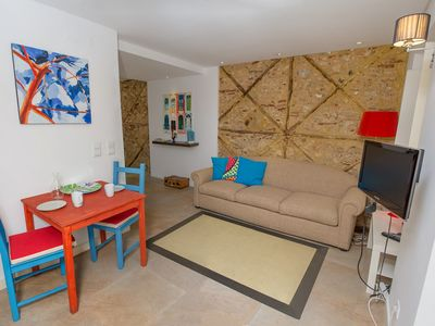 Photo for Varanda Luminoso apartment in Bairro Alto with WiFi, private terrace & lift.