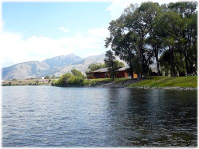 Photo for River Rose - Charming ranch style cabin on Yellowstone River.