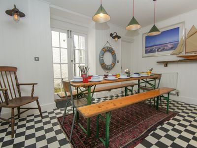 Photo for St George's House: 2 bedroom, sleeps 12, Smart TV, WiFi, Kemptown location