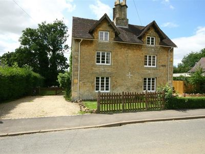 Photo for ELM VIEW, pet friendly in Chipping Campden, Ref 988703