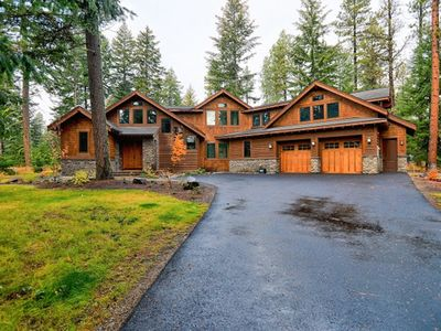 Photo for Overlooking Golf Course.  Hot Tub, Fire Pit, Gas BBQ, and Full Resort Access!