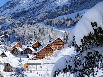 oz in winter (chalet Folie in development on right