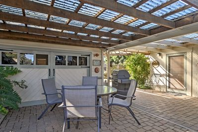 Retreat to this 1-bedroom, 1-bathroom vacation rental cottage in Arroyo Grande.