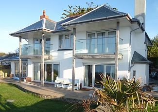 Beautiful Luxury Beach Front Holiday Home In Falmouth Cornwall England