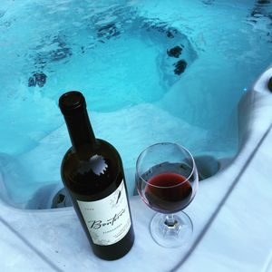Rooftop luxurious Hot Tub Spa with stunning views Opening Dec 1st 2016! Book now