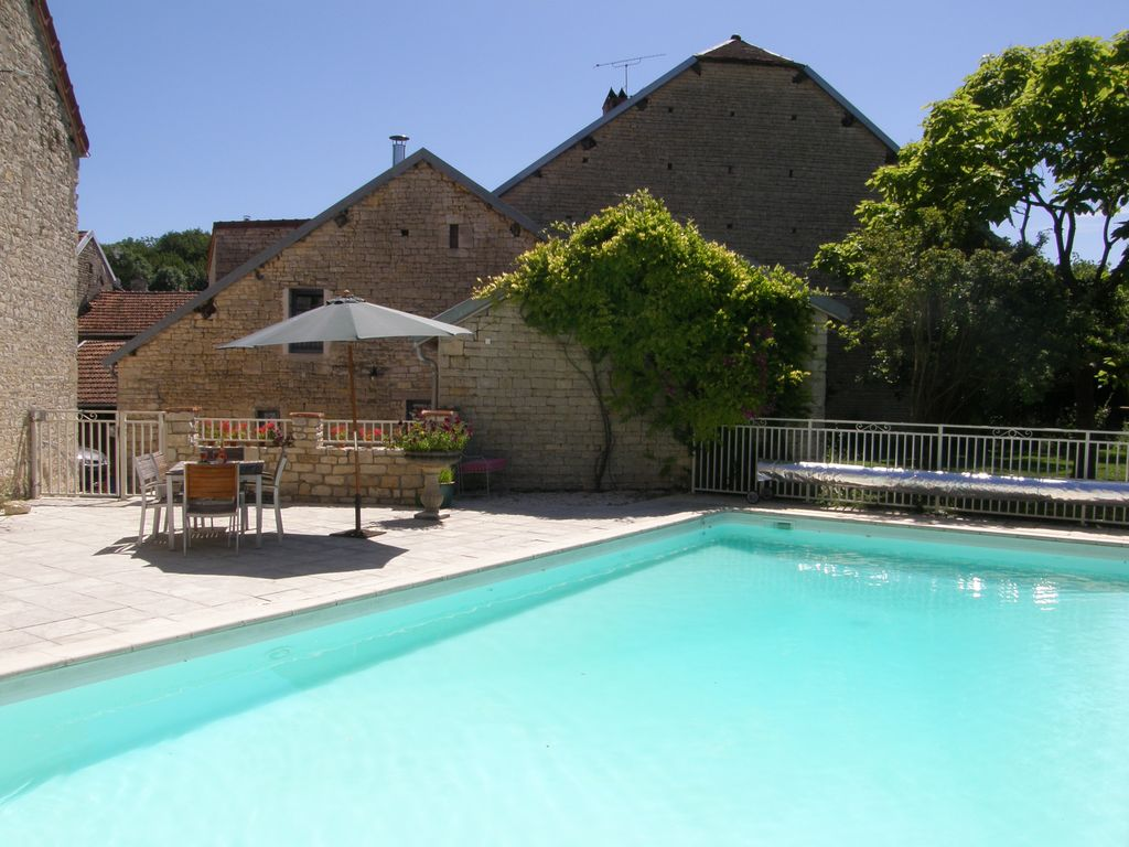Architect Designed Barn Conversion With Heated Pool, Champagne/Burgundy  Borders