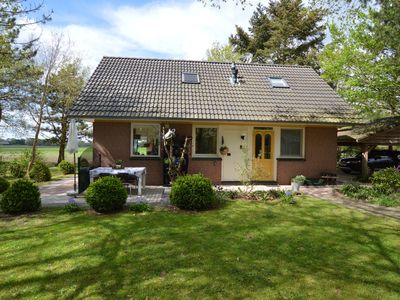 Photo for Cozy cottage with large garden in nature reserve Dwingelderveld