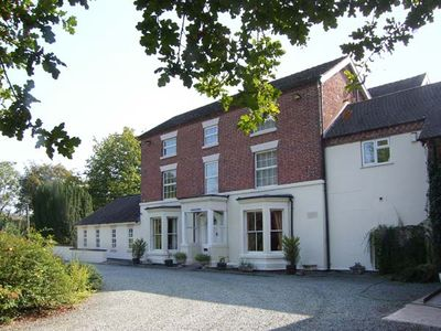 Photo for ROSEHILL MANOR, family friendly, with pool in Rosehill, Ref 11281