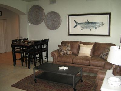 Remodeled condo sleeps up to 8, minutes from the beach with free golf!