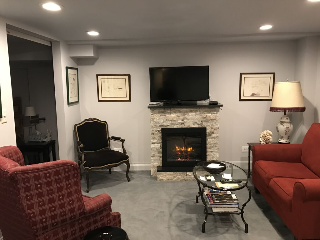 One half block from Lincoln Park and the zoo - VRBO