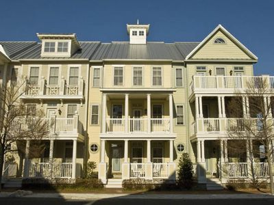 Photo for Spacious Bay Resort Townhome (67th St) - Pools, Bay Beach & Wi-Fi!