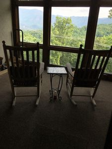Enclosed Patio with a beautiful view of Mnt. LeConte & With extra seating.