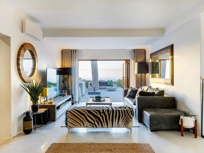 Photo for Modern  4 Bedroom Camps Bay Villa | Jo Leo House