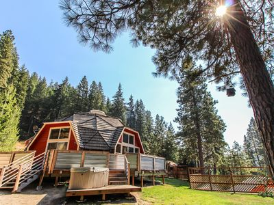 Photo for Charming, family & dog-friendly geodesic home w/ private hot tub & fireplace