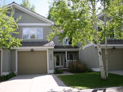 Photo for Marvelous 3 Bed, 3.5 bath, Town Home Close To Everything In Jackson Hole