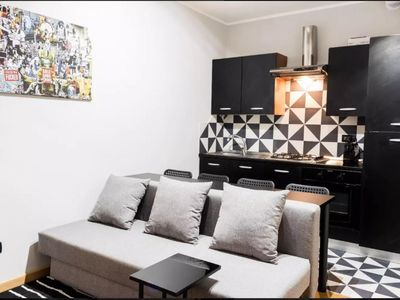 Photo for Stylish Buenos Aires apartment in Stazione di Milano Centrale with WiFi, air conditioning & lift.
