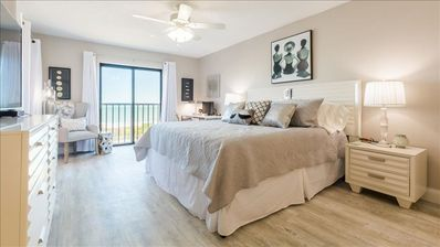 Photo for Stylish Beachfront at the Reef Club in Delightful Indian Rocks Beach!