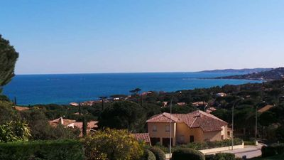 Photo for Ste Maxime: T3 sea view, just steps from the beach, lush park, swimming pool ...