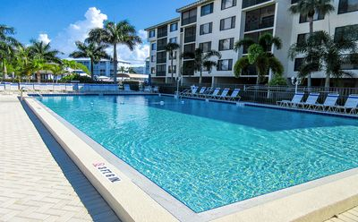 Photo for Island Getaway for Two!  Sunny 1 Bedroom/2 Bath Vacation Condo At Bargain Price! Walk to Beach!