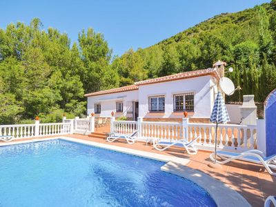 Photo for Secluded villa with great views, best enjoyed from the lovely sun terrace. 3 bedrooms w/pool.