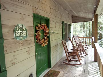 Evergreen Cabin In Townsend, TN...Near Cades Cove And Smoky Mountains.