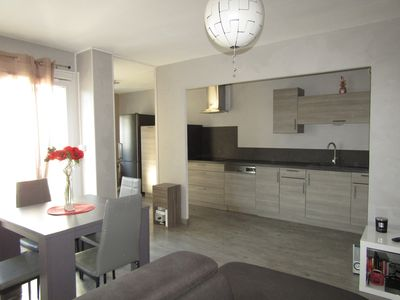 Photo for Apartment 70m² in the center of Reims near main points of interest