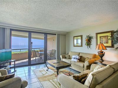 Edgewater 1002 - Gulf Front, Heated Community Pool, Exercise Room, Outdoor Activities!