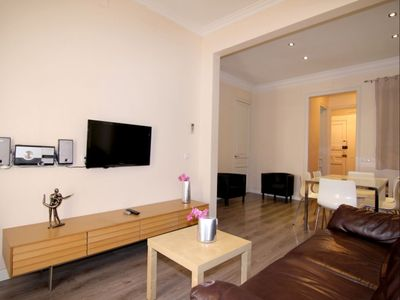 Photo for Eixample Free 1 apartment in Eixample Esquerra with WiFi, air conditioning, balcony & lift.