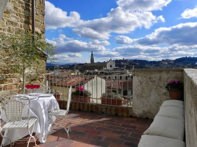 1.THE DONATI TOWER'S TERRACE Apt private terrace 2 BR Sleeps 4, 5th floor w/lift