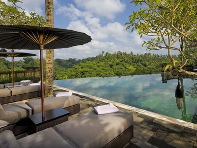 Photo for Bukit Naga Estate, Luxury 5 Beds Villa w/ Waterfall & Feature Garden Near Ubud