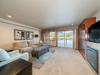 Photo for Grandview River View 632! Luxury Waterfront condo, sleeps up to 6!