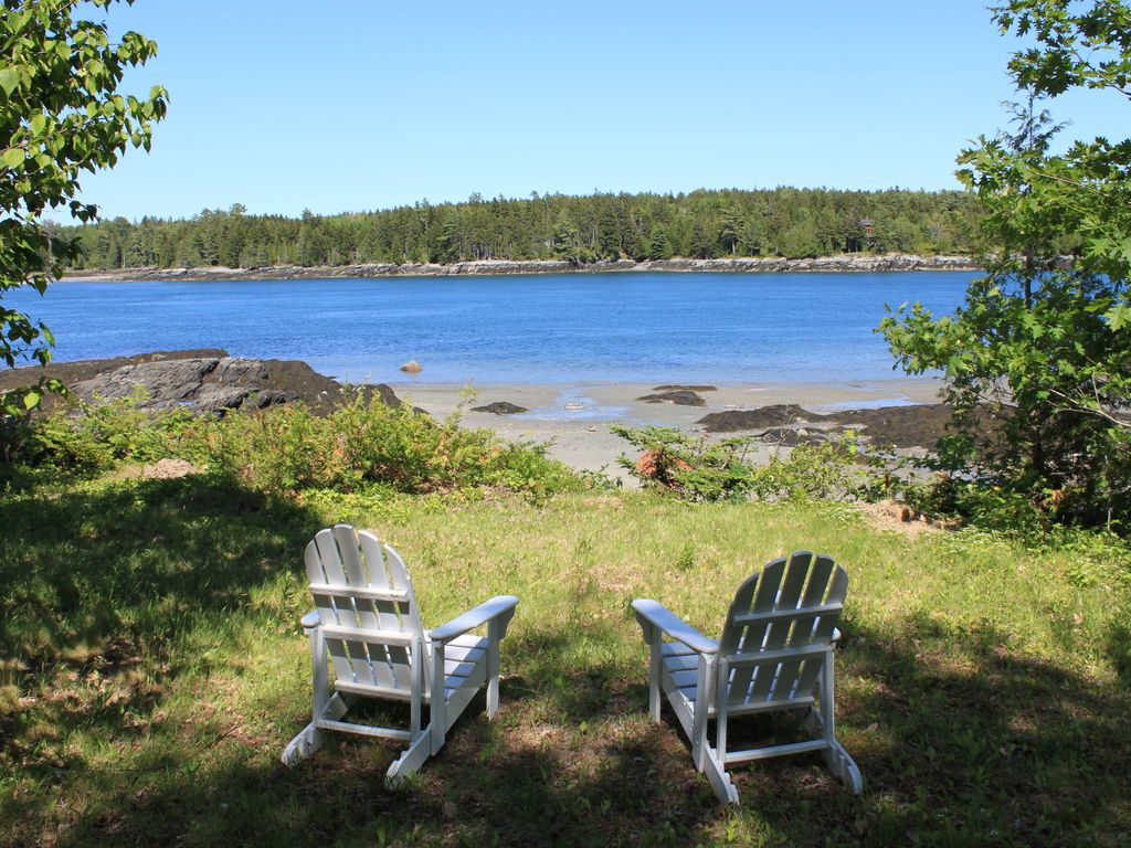 Oceanfront private beach family friendly exceptional for Multi family beach house rentals