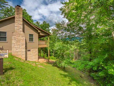Photo for Nestled Inn 1BR/1BA Mountain Views Hot Tub Paved Wi-Fi Pigeon Forge Wears Valley