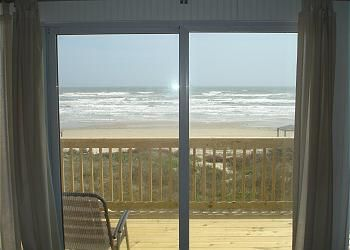 """Photo for """"Beach Barn"""" Beachfront With A Great Upper And Lower Deck!"""