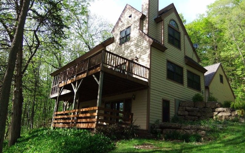 Sleeps 14!!  Brook Lane~Secluded Country Home~2 Fireplaces~4 Stories!!