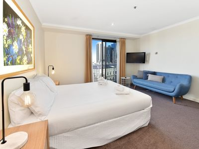 "Photo for ""St Andrews"" Fully furnished Apt 702/10 St. Andrews Pl, CBD"