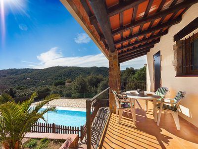 Photo for 3 bedroom Villa, sleeps 6 with Pool and Walk to Shops