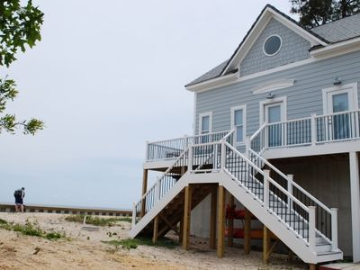 Beautifully-restored beach cottage