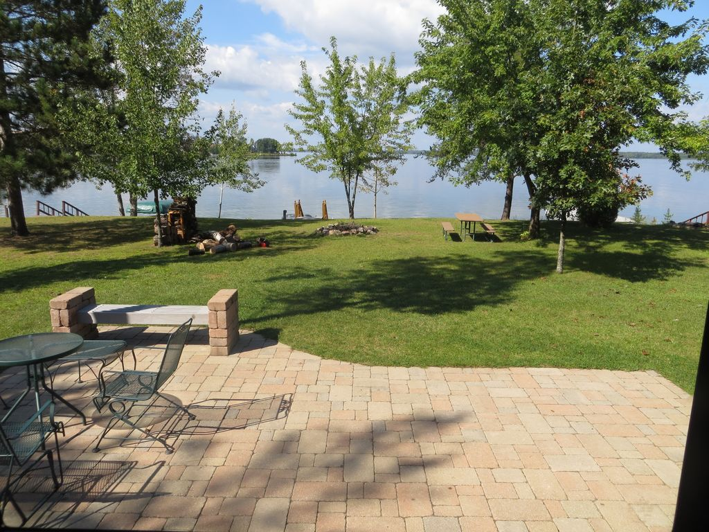 Vacation Cottage On The Water With Your Own Dock Castle Rock Lake Wi 1 036 Wk