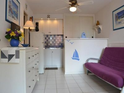 Photo for Apartment Fleury-Saint-Pierre-la-Mer, 2 rooms, 4 persons